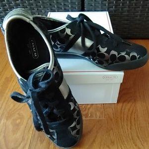 Authentic Coach 🌺 Paxton Sneaker shoes size 8